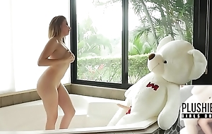 18yo beauty from Columbia together with her favorite plush plaything teddy bear Miguel sexual intercourse in a Euphemistic go to the men's