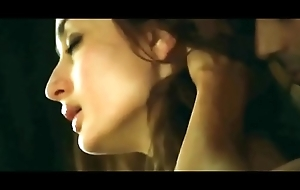 Kareena kapoor sex with arjun rampal in membrane heroine with bold intimate instalment