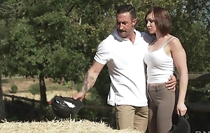Short-haired MILF with natural breasts gets sodomized outdoors