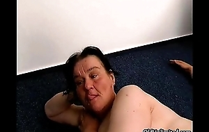 Puristic old hotwife gets her fur pie